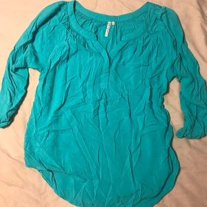 1/4 length sleeves teal blouse